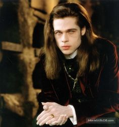 Brad Pitt as Louis de Pointe du Lac, Interview With The Vampire, 1994 Brad Pitt Vampire, Vampire Love, Vampire Art, Brad Pitt Interview, Anne Rice Vampire Chronicles, Lestat And Louis, Modern Vampires, Queen Of The Damned, Gothic Men