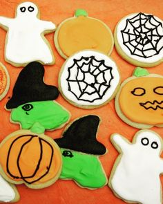 I love a sugar-cookie, as they're easy to make, roll out forgivingly and keep their form very precisely as they bake. Glace Icing, Meringue Powder, White Icing, Cut Out Cookies, Sugar Cookies, Xmas Cookies, Nigella Lawson, Rachel Ray, No Sugar Foods