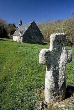 Croix et chapelle Saint Julien de Camaret Finistere  Brittany