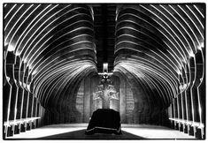 Makovecz-ravatalozó, Farkasréti Temető, Budapest - Makovecz Utak Organic Architecture, Gothic Architecture, Architecture Details, Interior Architecture, Interior And Exterior, Interior Design, World Of Wearable Art, Architecture Organique, Zaha Hadid Architects