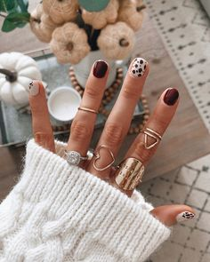 38 Special Winter Nails for the Frozen Days nails, nail design,red,shining nails… - Christmas nails Minimalist Nails, Cute Nails, Pretty Nails, Uñas Fashion, Winter Fashion, Red Nail Designs, Shellac Nail Designs, Latest Nail Designs, Short Nail Designs