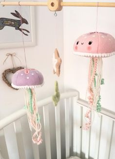 Baby mobile felt - Felt PDF pattern Cute jellyfish baby crib mobile Felt jellyfish, starfish and seaweed ornaments, nautical nursery decor, digital item – Baby mobile felt Baby Mobile Felt, Baby Crib Mobile, Felt Baby, Kawaii Diy, Kawaii Crafts, Baby Crib Diy, Baby Cribs, Pattern Cute, Nautical Nursery Decor