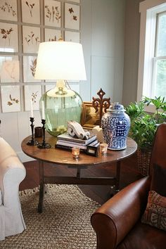 65 unique and beautiful living room decoration ideas for decorative lighting 4 ~ Beautiful House Lovers Side Table Decor, Table Decorations, Decorating End Tables, Side Table Lamps, Console Tables, Home Living Room, Living Room Decor, Living Room Table Lamps, Living Room End Table Decor