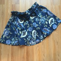 NWT Lauren Conrad paperbag waist band skirt. XL NWT. LC Lauren Conrad paperbag waistband skirt. Adorable! ‼️Bundle up and save! I offer 10% off of 2+ items. Only offers made through the offer button will be considered. No trades. No holds.‼️ LC Lauren Conrad Skirts Mini