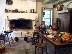 Extraordinary French Country Kitchen Interior Design and Decoration Idea Rustic Country Kitchens, Country Kitchen Designs, Rustic Kitchen, Kitchen Decor, Kitchen Dining, Kitchen Sale, Country Farmhouse, Dining Area, Dining Room