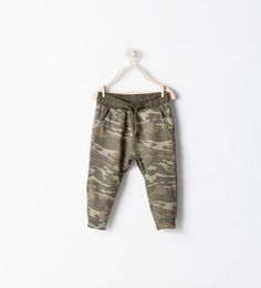 Discover the new ZARA collection online. The latest trends for Woman, Man, Kids and next season's ad campaigns. Little Boy Fashion, Baby Boy Fashion, Kids Fashion, Zara Kids, Toddler Boys, Kids Boys, Teen Boys, Boys Clothes Style, Boys Style