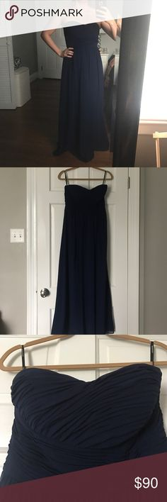 Long Midnight Blue Formal Gown Dress is sized at an 8, but has been altered to fit me at 5'2 (without heels) and 130 lbs. Sweetheart top cinched in at waist and A-Line form. PERFECT for prom or black tie affair! Donna Morgan Dresses Prom