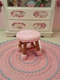 Crochet Mat, Crochet Carpet, Crochet Mandala Pattern, Crochet World, Crochet Home, Filet Crochet, Crochet Patterns, Crochet Furniture, Stool Covers