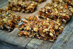 The Messie Kitchen: Homemade Vegan Granola Bars