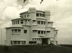 Bandung city, east india company, i love indonesia, dutch east indies, sema Art Deco Decor, Art Deco Home, Art Deco Design, Bauhaus Architecture, Colonial Architecture, Architecture Design, Classic Architecture, Bandung City, Streamline Moderne