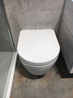 Nice toilet (Villeroy & Boch) - probably our favourite of the ones we saw