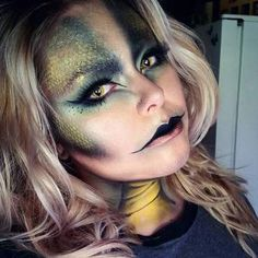 Are you looking for ideas for your Halloween make-up? Browse around this website for creepy Halloween makeup looks. Creepy Halloween Makeup, Halloween Inspo, Halloween Makeup Looks, Halloween Make Up, Medusa Halloween Costume, Mermaid Halloween Makeup, Halloween Makeup Tutorials, Snake Costume, Artistic Make Up