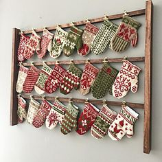 krystinah's Tea Advent Mittens Idea for displaying advent garland Christmas Sewing, Christmas Knitting, Christmas Love, Christmas Projects, Canadian Christmas, Knitted Christmas Stockings, Mini Stockings, Christmas Countdown Calendar, Craft Fair Displays