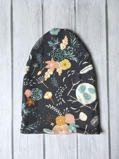 Gorro unisex, Slouchy Beanie, gorrita tejida del bebé, gorrita tejida niño, sombrero hecho a mano, niño sombrero, lindo sombrero, sombrero slouchy, flores, primavera, rosa, chica