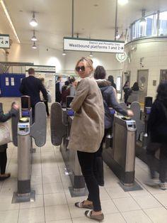 Maria Sharapova in London! Maybe H'smith stn?