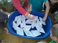 Loďky na Dunaji. Mesto, Activities For Kids, Children Activities, Kid Activities, Petite Section, Kid Crafts