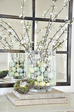 Easter Decorations 128141551887136328 - This pretty Spring arrangement takes less than 10 minuted to make and is a perfect addition to your Easter decor. You don't have to be crafty to do this! Source by stoneg Easter Table Decorations, Decoration Table, Easter Table Settings, Easter Centerpiece, Diy Centerpieces, Diy Spring Decorations, House Decorations, Diy Osterschmuck, Diy Crafts