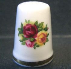 Royal Albert China - Special Collections - Thimbles -  Old Country Roses