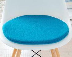 Seat cushion for Eames Chair in petrol Old Chairs, Eames Chairs, High Chairs, Lounge Chairs, Grey Desk Chair, Sofa Chair, Chair Fabric, Chair Pads, Mini Chair