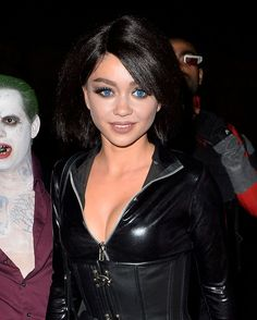 Sarah Hyland – Halloween Party in Hollywood : Global Celebrtities (F) FunFunky.com