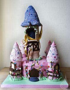 Tangled Birthday Cake