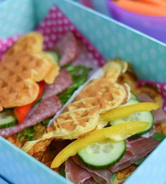 Havre vafler m. Waffle Recipes, Lunch Recipes, Baking Recipes, Norwegian Food, Healthy Snacks, Healthy Recipes, Kids Meals, Cravings, Clean Eating