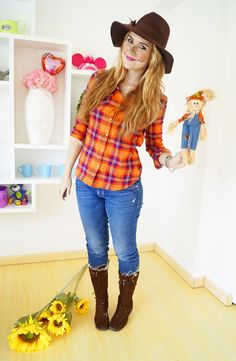 It's possible to save Halloween with a fast and easy DIY costume. For the majority of the kids, Halloween is among the best days. Spirit Halloween can help you revolutionize your house into the spotlight. Scarecrow Costume Women, Farmer Halloween Costume, Farmer Costume, Diy Halloween Costumes For Women, Cute Halloween Costumes, Halloween Diy, Scarecrow Makeup, Easy Diy Costumes, Hillbilly