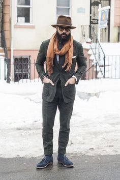 @Angel Kittiyachavalit BESPOKE in a Ariston Green Tweed suit via TSB