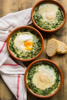 Espinacas con huevos a la crema - Healthy Eating İdeas For Exercise Vegetable Recipes, Vegetarian Recipes, Healthy Recipes, Sopas Light, Easy Cooking, Cooking Recipes, Cooking Kale, Cooking Pork, Food Porn