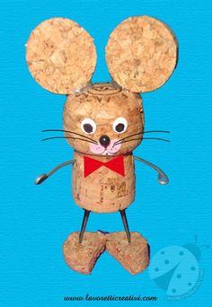 Un simpatico topo realizzato con tappi di sughero, fil di ferro e cartoncini colorati. LAVORETTO AUTUNNO Lavoretti con tappi di sughero Materiale: tappi su
