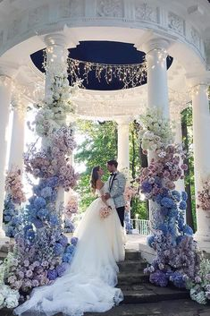 Top 10 Luxury Wedding Venues to Hold a 5 Star Wedding - Love It All Wedding Altar Decorations, Wedding Themes, Wedding Dresses, Wedding Ideas, Wedding Photos, Outdoor Wedding Altars, Wedding Goals, Decor Wedding, Bride Dresses