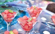 Pérolas de melancia com hortelã...