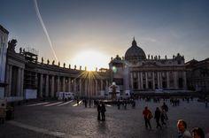 Bazilica Sf. Petru din Vatican  Bazilica Sf. Petru din Vatican, mai mult decât o catedrală - galerie foto.  Vezi mai multe poze pe www.ghiduri-turistice.info Sf, Vatican, Louvre, Building, Travel, Viajes, Buildings, Destinations, Vatican City