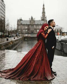 Ideas Wedding Dresses Hijab Indonesia For 2019 Muslim Couple Photography, Wedding Photography Poses, Wedding Poses, Wedding Photoshoot, Wedding Couples, Wedding Ideas, Muslimah Wedding Dress, Muslim Wedding Dresses, Muslim Brides