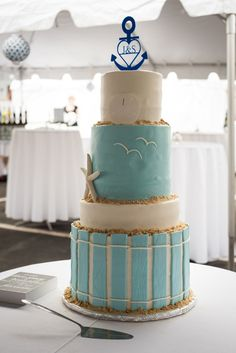 Baker: Pure Elegance Cakes /  Photo: @brittrae07. See more ideas at www.realmaineweddings.com!