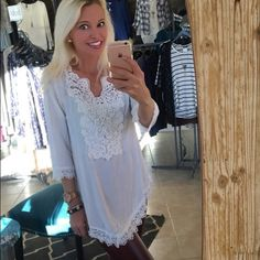 Off white crochet detail flowy blouse! Available in S-M-L- 2-1-1 Tops