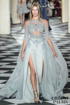 Zuhair Murad gown on the runway - haute couture dress - fashion week Haute Couture Gowns, Style Haute Couture, Couture Dresses, Fashion Dresses, Juicy Couture, Trend Fashion, Runway Fashion, Fashion Goth, Elegant Dresses