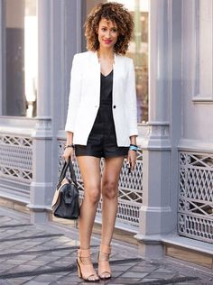 elaine-welteroth-short-black-white-blazer-salto-street-style