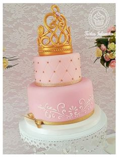 Torta con corona dorada Baby Shower Princess, Princess Party, Ideas Para Fiestas, Unicorn Party, Themed Cakes, Party Cakes, Lily, Lucci, Matilda