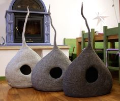 "Cat Cave ""Shades of Grey"", Cat Bed, Cat House, Pet Furniture. Hand-Felted (with bio olive oil soap) 100% Natural Wool - MADE IN ITALY"