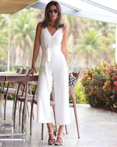 salopete gorgeous white jumpsuit The Wonders Of 925 Silver Article Body: There are so many different White Outfits, Classy Outfits, Cool Outfits, Summer Outfits, Casual Outfits, Girl Fashion, Fashion Outfits, Pants For Women, White Dress