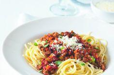 50 nejlepších receptů s mletým Easy Cooking, No Cook Meals, Meat Recipes, Lasagna, Hamburger, Spaghetti, Good Food, Food And Drink, Pasta