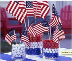 Flag centerpiece: 4th of July decorating