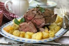 Arrosto di manzo al forno. La ricetta per preparare un arrosto morbido e succoso, uno dei secondi piatti della cucina tradizionale italiana.