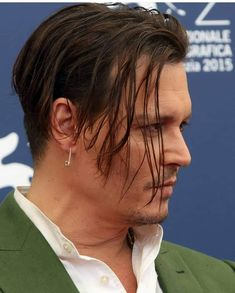 Johnny Depp in Venice French Beard Styles, Hair And Beard Styles, Long Hair Styles, Jonh Deep, Johnny Depp Hairstyle, The Hollywood Vampires, Johnny Depp Pictures, Young Johnny Depp, Men Hair Color