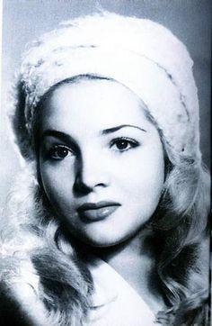 SARA MONTIELUna jovencísima Sara Montiel, cuando todavía era conocida como María Antonia Abad. (ARCHIVO)