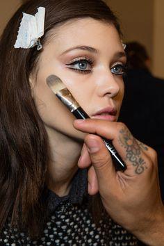 makeup at gucci fall 2014 s make up! Fall Makeup, Love Makeup, Makeup Inspo, Makeup Inspiration, Makeup Tips, Makeup Looks, Style Inspiration, Makeup Style, Perfect Makeup