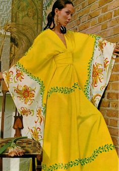 60s 60s Kaftan Dress yellow graphic print floral vintage fashion style Vogue UK 1969 Moyra Swan Photo by David Bailey