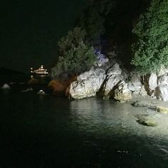 The night in Skiathos seaside #skiathos #greece #sea #summer #nights