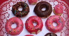 El glaseado de los donuts o rosquillas, ya dejó de ser un misterio, con este glaseado que te voy a explicar, vas a poder hacer las rosquilla... Doughnuts, Deli, Cookie Decorating, Frosting, Health Fitness, Food And Drink, Sweets, Bread, Cookies